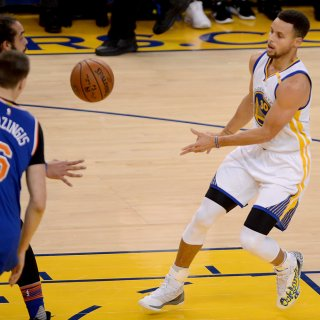 Stephen Curry to auction shoes in Ghost Ship benefit