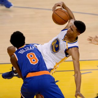 Warriors rookie Patrick McCaw earns spot on the floor