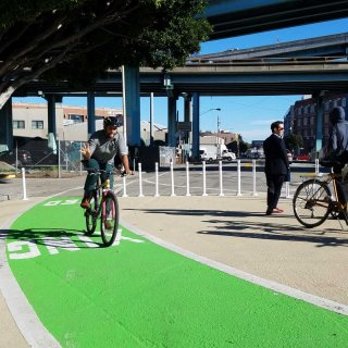'Protected intersection' shields SoMa bicyclists, pedestrians