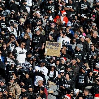 Raiders lose Vegas backer Sheldon Adelson