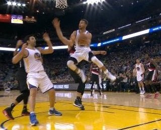Real Steph Curry stands up in Blazers win