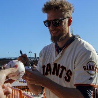 Giants fans flood AT&T Park for annual Fan Fest