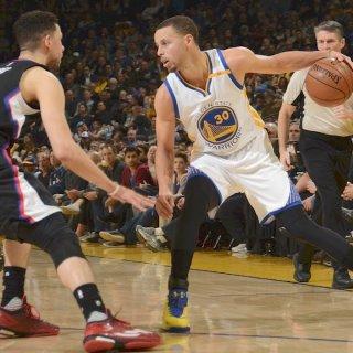Warriors drop 50 in third quarter, feast on Clippers