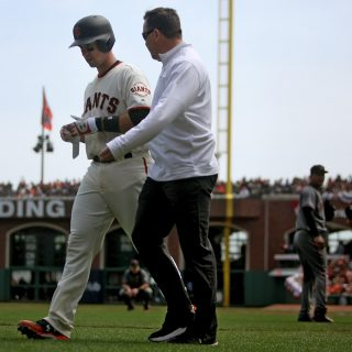 Giants send Posey to DL with concussion-like symptoms