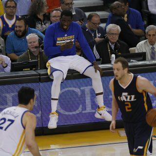 Warriors rest against Jazz, wait for playoffs