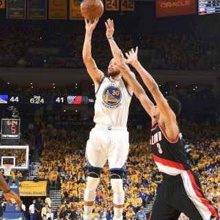 Draymond rises up in Game 1 win against Blazers