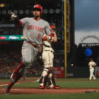 Reds ruin Giants homecoming with 3-2 win