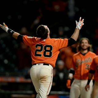 Posey crushes game-winner in 17th inning