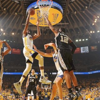 Curry caps comeback, gives Dubs Game 1 'W'