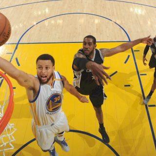 Curry, Warriors boat race Leonard-less Spurs, swipe 2-0 lead
