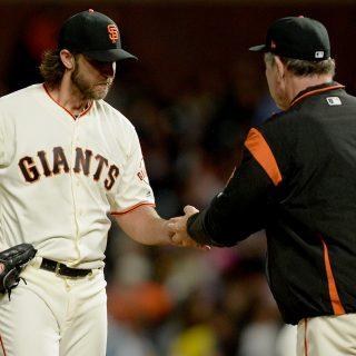 Late Padres homer sinks Bumgarner, Giants