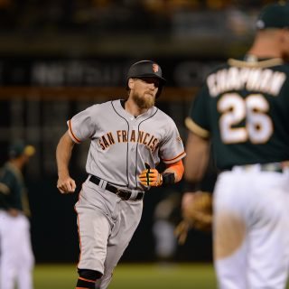 Giants unload on Manaea, gallop past A's