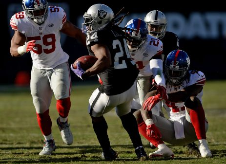 Raiders survive Giants, rise to top of AFC West 59