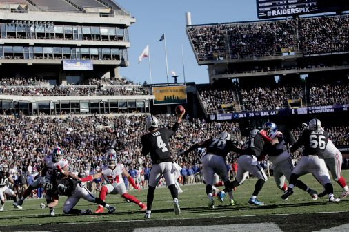 Raiders survive Giants, rise to top of AFC West 53