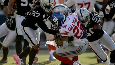 Raiders survive Giants, rise to top of AFC West 35
