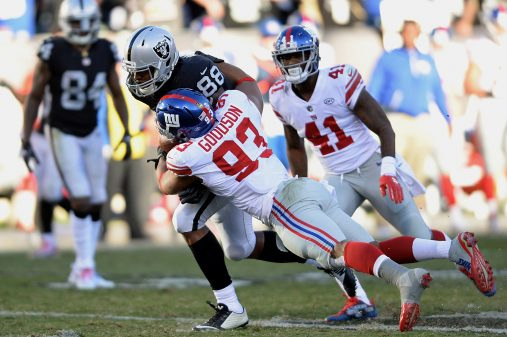 Raiders survive Giants, rise to top of AFC West 23