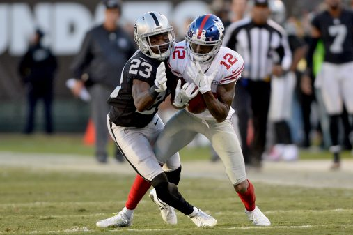 Raiders survive Giants, rise to top of AFC West 22