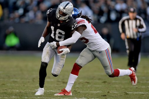 Raiders survive Giants, rise to top of AFC West 19