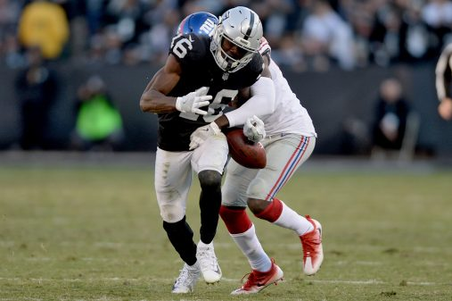Raiders survive Giants, rise to top of AFC West 18
