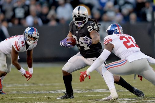 Raiders survive Giants, rise to top of AFC West 16