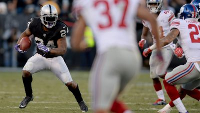 Raiders survive Giants, rise to top of AFC West 15