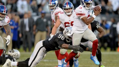 Raiders survive Giants, rise to top of AFC West 2