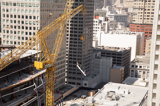 A crane during construction of the new SFMOMA extension
