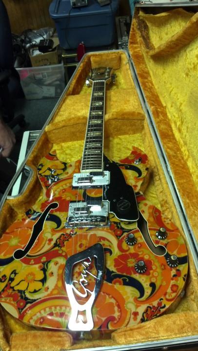 SurfGuitar101 com | Forums: Hendrix guitar spotted in Arizona