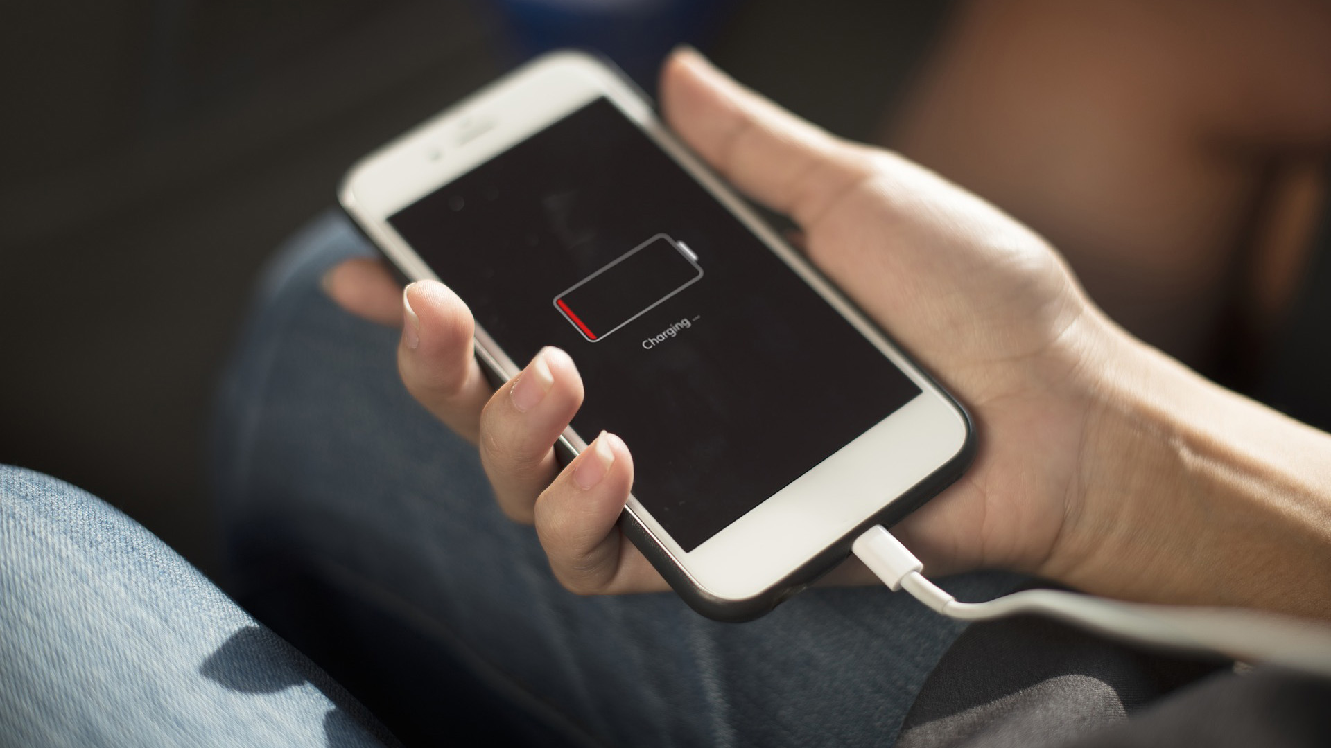 Mỗi tháng làm điều này 1 lần, smartphone của bạn sẽ không lo bị chai pin