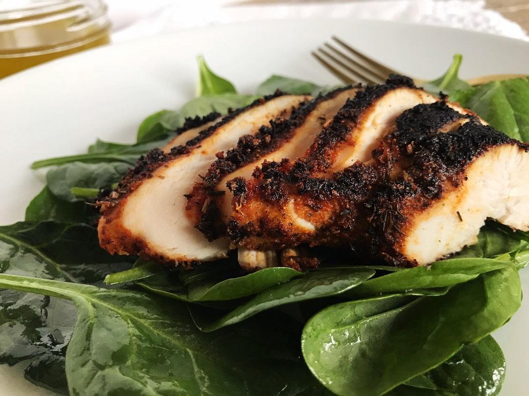Blackened Chicken Over Spinach With Lemon Vinaigrette Sister Spice