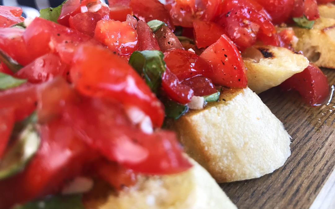 Tomato Basil Bruschetta with Balsamic Glaze