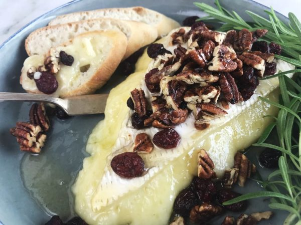 baked brie recipe - feature image 2 - 1080 | Sister Spice