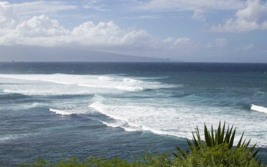 Pacific ocean waves Maui