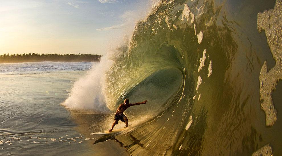 http://www.surfline.com/surfnews/images/2010/09_september/mex/full/JoeyCrumMex-Lusk.jpg