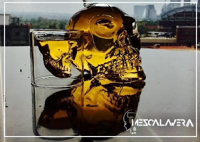 MEZCALAVERA es el alma de mezcal con el cuerpo del fruto.  Arte, diseño y sabor a México.  El diseño de la botella hace referencia a las calaveritas...