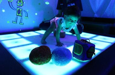 XCANDA es una tecnología creada por RISDEL para brindar terapia integral a niños con discapacidad que atiende el desarrollo físico, psicológico y...