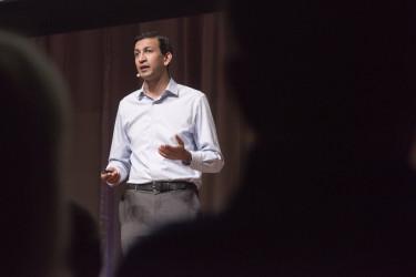 "Raj Chetty, professor of economics, gives the talk ""Reviving the American Dream: Lessons from Big Data."" (Photo:TamerShabani)"