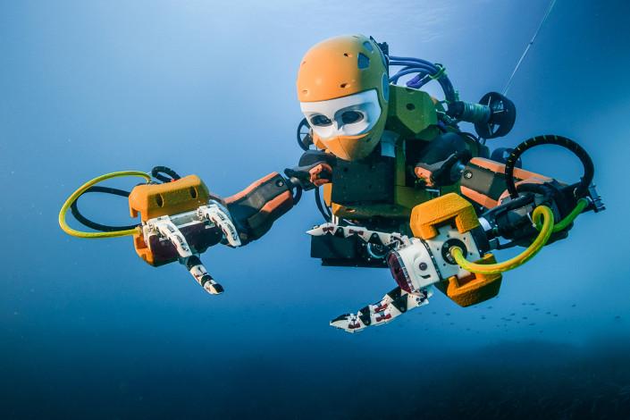 Robot explores underwater