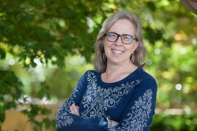 Lynn Dixon