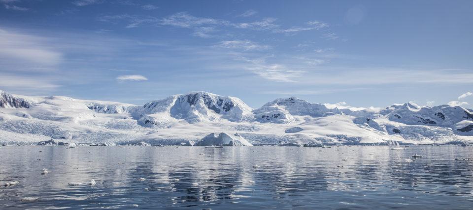 Antarctic glacier and sea
