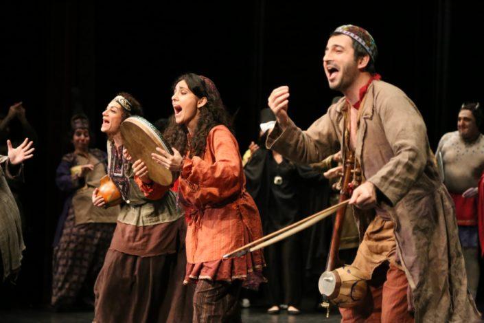 Actorson stage performing traditionalIranianplayTarabnameh