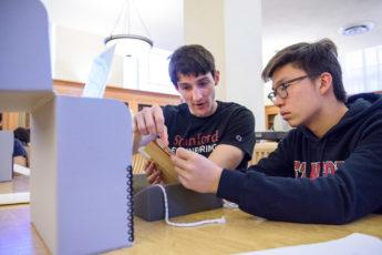 Engineering major John Chuter and freshman Berber Jin