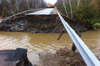 Bridge in Portland, Maine damaged by 1984 earthquake.