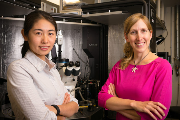 Jennifer Dionne and Yang Zhao in the Dionne Lab