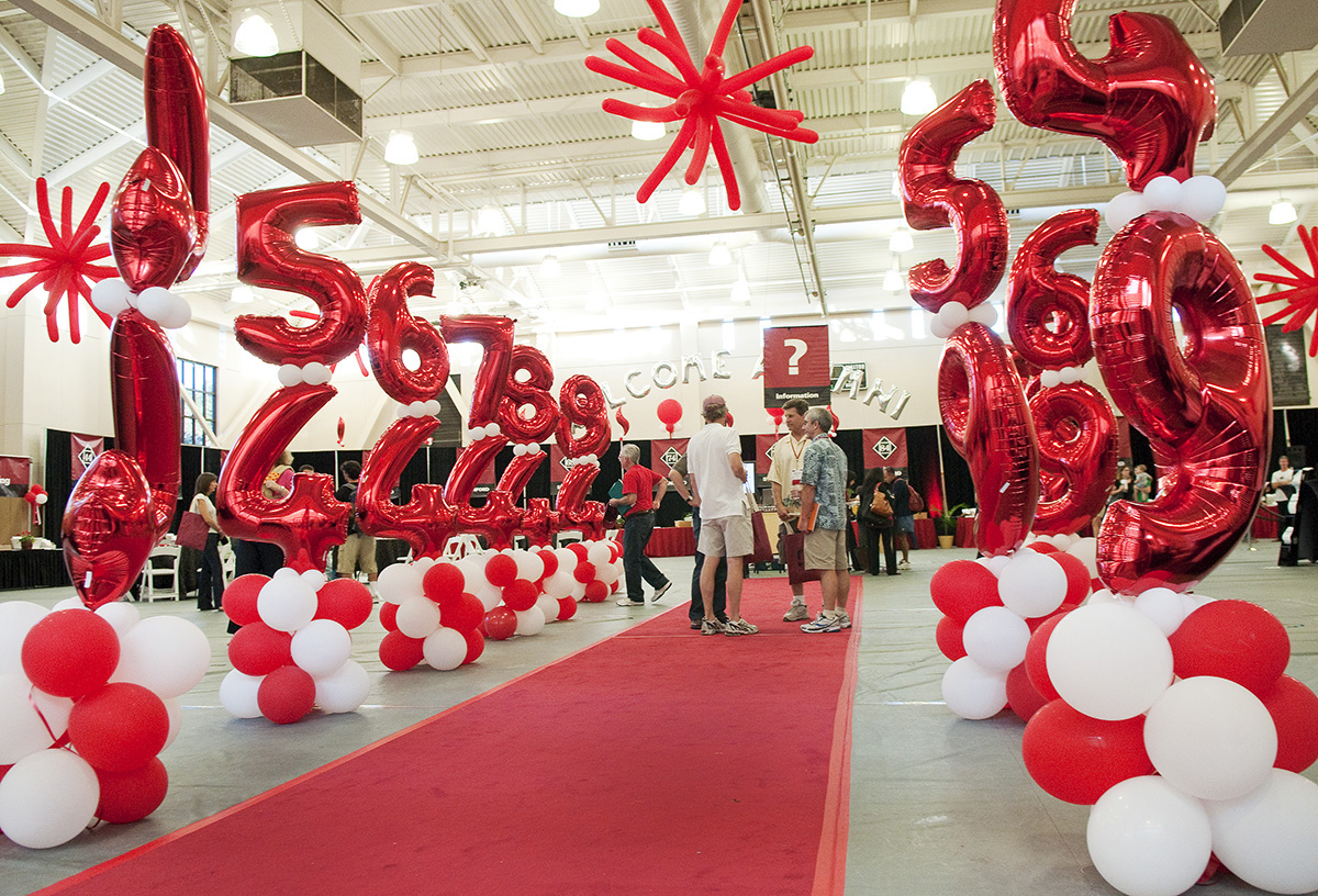 Stanford Alumni Return Thursday For Tours Tailgates