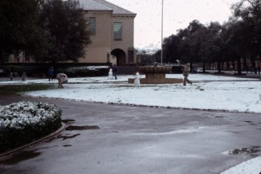 Snowballs and snowmen