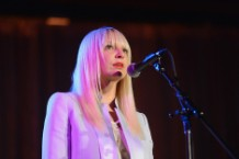 Prolific Hitmaker Sia Reclaims the Spotlight on '1000 Forms of Fear'