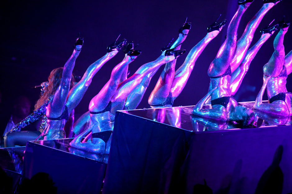mtv video music awards illuminati 2014 conspiracy theory