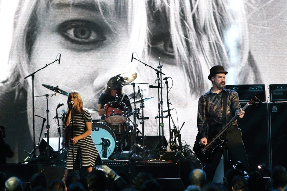 Kim Gordon Writes About Nirvana's 'Charismatic' Live Shows in New ...