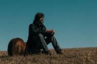 Rhett Miller Reimagines Himself as 'The Traveler' on His Lush, Twangy New Album